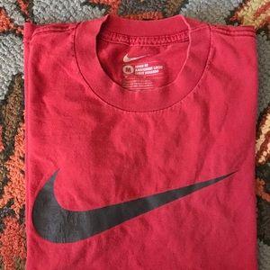 Nike men's loose fit shirt